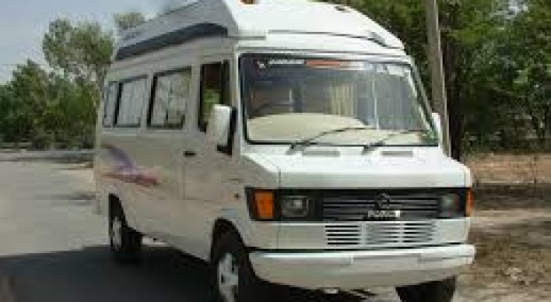 Tempo traveller for Mcleodganj