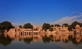 jaisalmer by tempo traveller