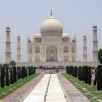 hire tempo traveller to agra