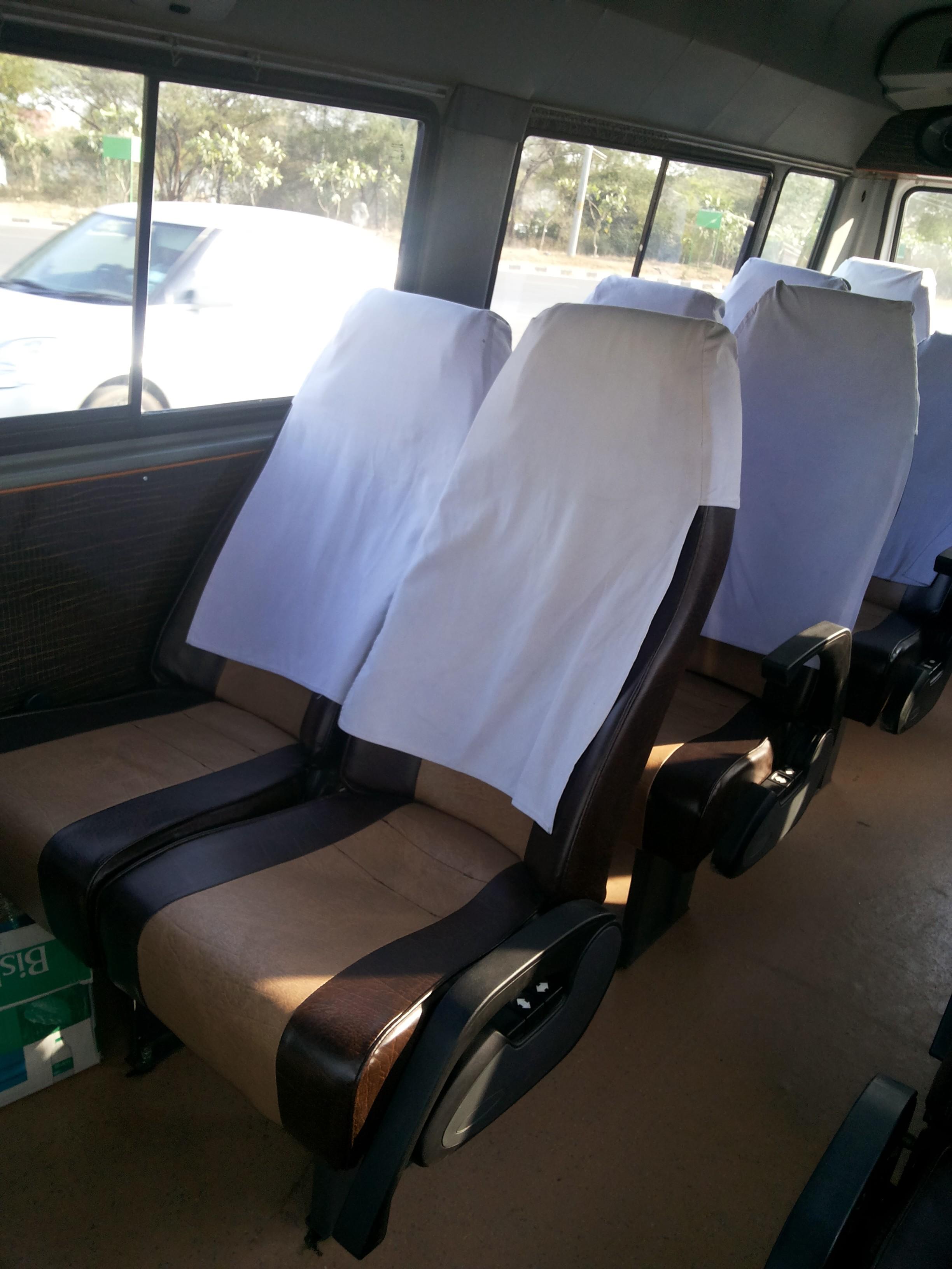 delhi tempo traveller 12 seater