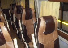 Delhi to Agra in Uttar Pradesh by tempo traveller