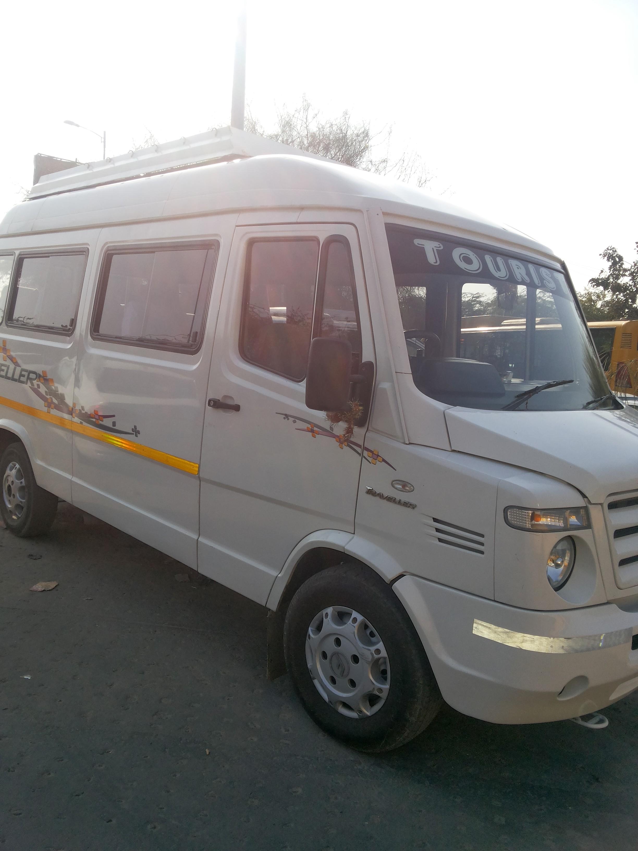 Bandhavgarh National Park by tempo traveller